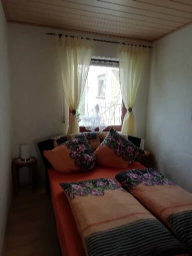 schlafzimmer ferienwohnung waldblick langenfeld eifel